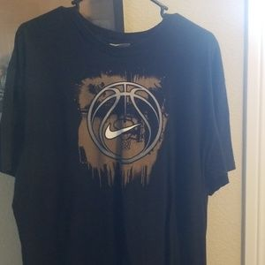 Nike basketball shirt early 2000's